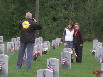 Memorial Day Tahoma Nat.Cemetery 08_05Dave Eck